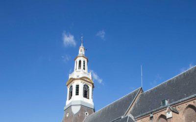 Beklim de toren van de Nijkerk
