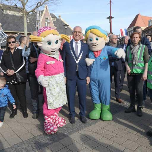 Foto Burgemeester van Nijkerk en Biba boerderij op Boerenmaandag 2018